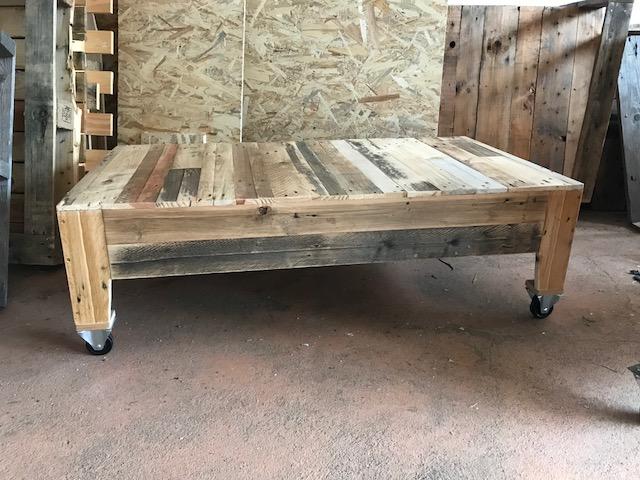 Même table avec compartiment fermé